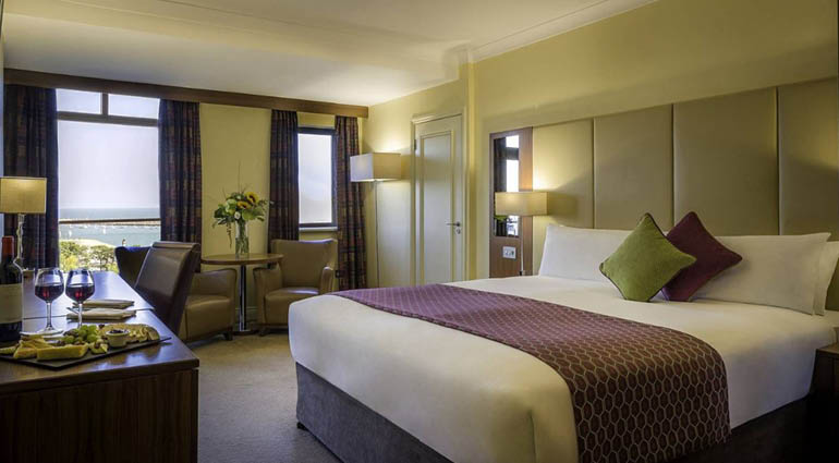 Click For Page The Luxurious 4 Royal Marine Hotel